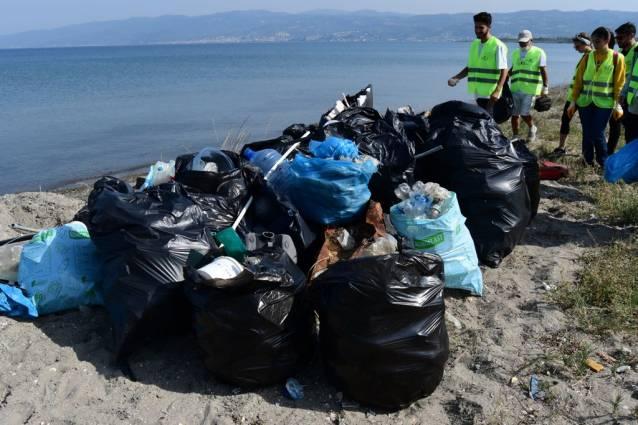 756 Kilo Çöp Toplandı