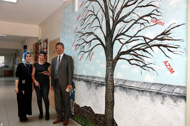 Eğitim Aşığı Ressamdan Değerler Ağacı