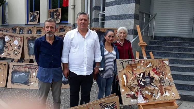 İranlı Sanatçıya Gürel'den Destek