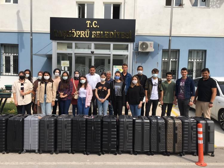 Üniversite Kazananlara Ödülleri Arslan'dan