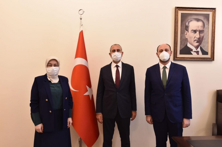 Vekillerden Adalet Bakanı'na Ziyaret